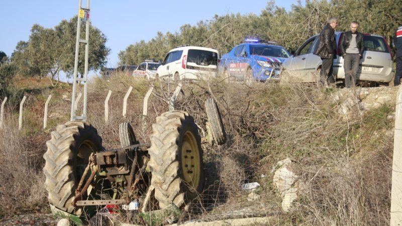 Ailesi onu arıyordu…Şarampole yuvarlanan traktöründe ölü bulundu