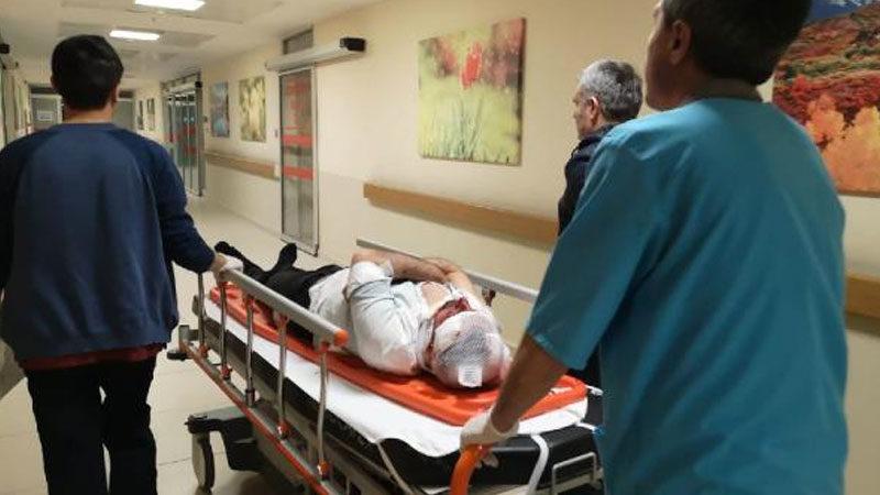 Bursa'da otomobil yol kenarındaki tezgaha daldı: Yaralılar var…