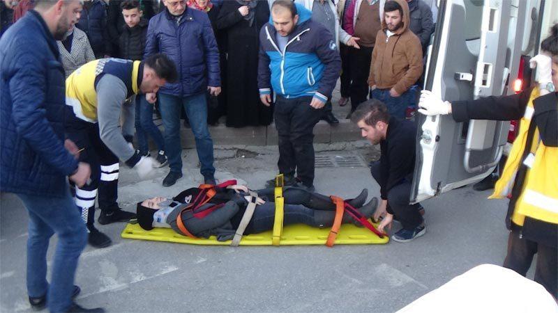 Bursa'da yaya geçidinde öğrenciye araç çarptı