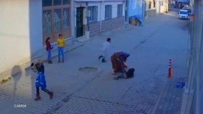 Bursa'da şoke eden görüntü! Sokak ortasında 5 yaşındaki oğlunu…
