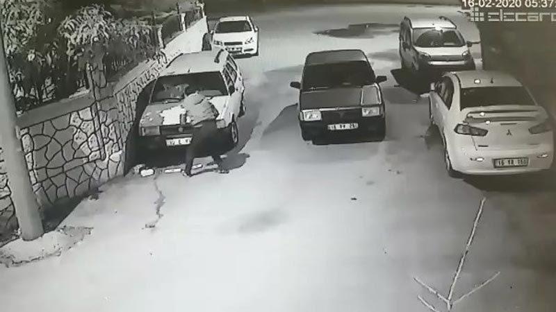 Saniyeler içerisinde otomobil ve plaka çalan hırsızlar yakalandı