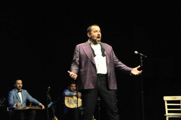 Bursalılar'dan Ata Demirer'e tam not