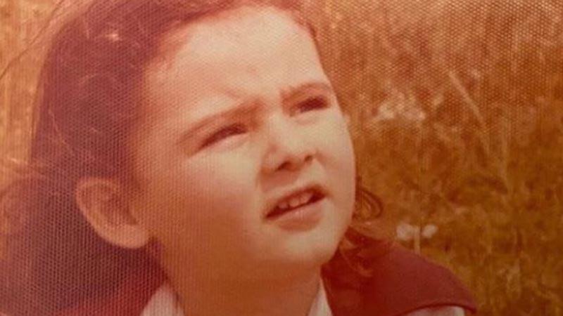 Her paylaştığı gündem yaratan bu küçük kızı tanıyabildiniz mi?