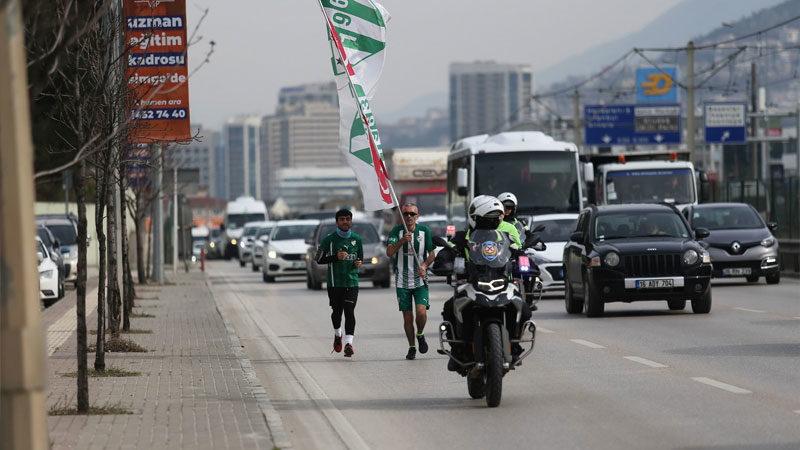 Bursa'da ilginç koşu! Yeşil beyaz sevgisi…