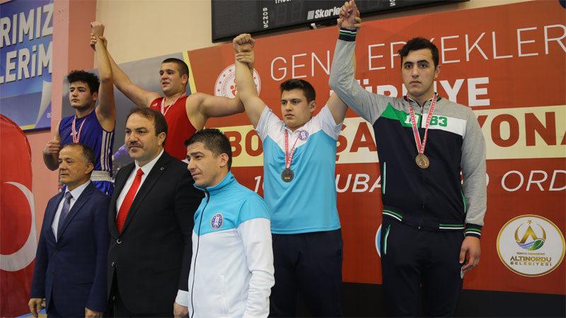 Burak Çelik Türkiye üçüncüsü