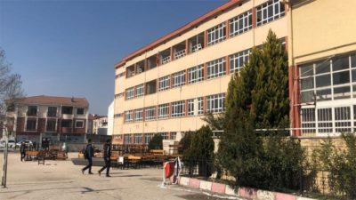 Bursa'da binlerce mezun veren lise yıkılıyor