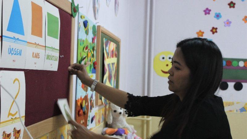 Filipinler'den gelin geldi, Bursa'da gönüllü İngilizce öğretiyor