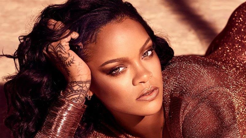 Rihanna, yeni iç çamaşırı koleksiyonunu paylaştı