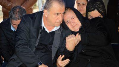 Gözyaşlarını tutamadı… Terim ve annesi…