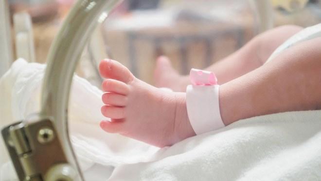 İran'da iki haftalık bir bebekte koronavirüs tespit edildi