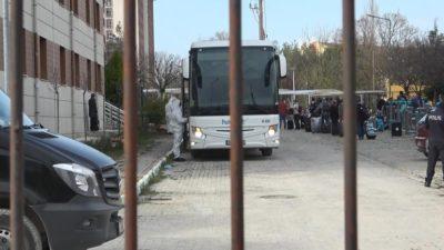 Bursa'ya getirildiler… 63 kişi öğrenci yurdunda…