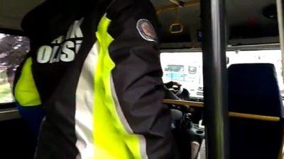 Bursa'da polis ekipleri toplu taşıma araçlarını sıkı denetime aldı