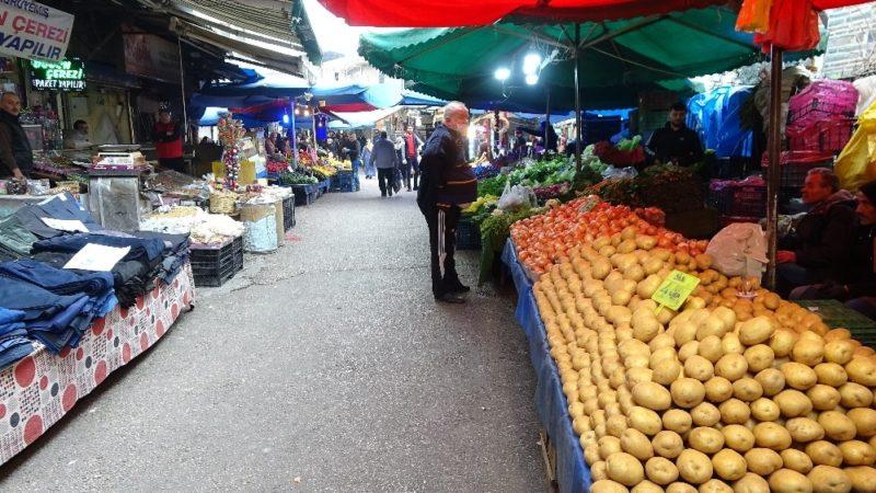 Bursa'nın tarihi pazarını koronavirüs vurdu