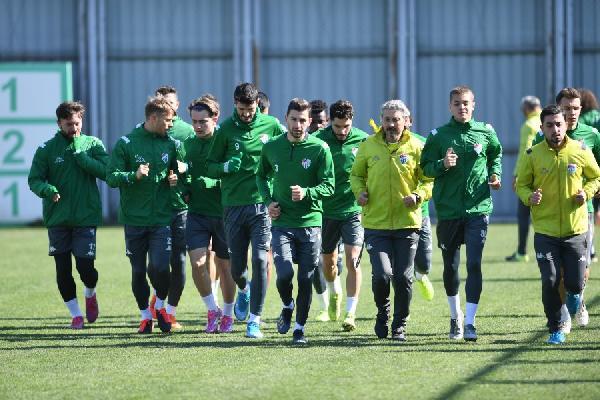 Bursasporlu oyuncudan özeleştiri; istediğimiz futbolu…
