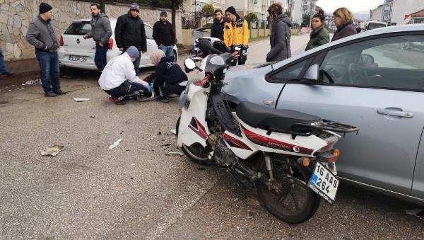 Bursa'da otomobille motosiklet çarpıştı