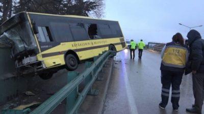 Bursa'da görünmez kaza… Otobüs havada kaldı…