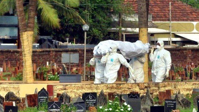 Dünya koronavirüsle mücadele ederken yeni salgın baş gösterdi! 176 ölü var
