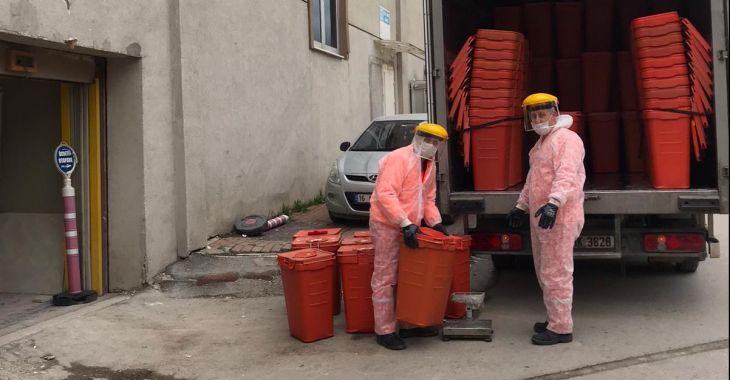 Büyükşehir ekipleri tıbbi atıkları titizlikle topluyor