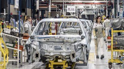 Oyak Renault'da sıcak gelişme! Bursa'daki fabrikada üretim durmuştu…