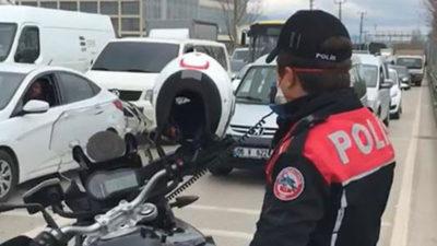 Bursa Polisi'nden megafonla 'evde kal' uyarısı