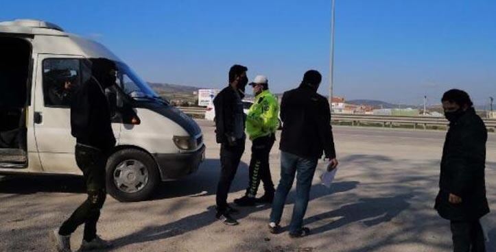 Bursa'da, fazla yolcu taşıyan servis şoförüne ceza