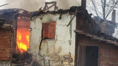 Bursa'da 2 katlı ev küle döndü