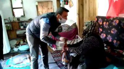 Bursa'da yaşlı kadının duası dinleyenleri duygulandırdı