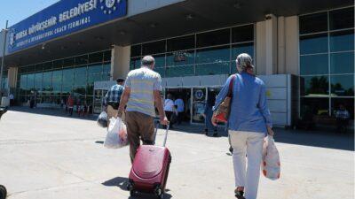 Bursa'da 65 yaş üstü terminale akın etti! Yolcu kapma kavgası kamerada…
