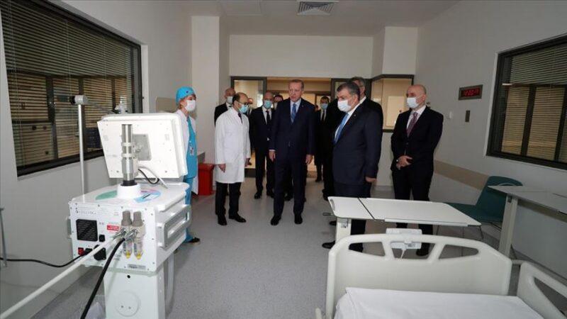 Erdoğan, Başakşehir Çam ve Sakura Şehir Hastanesi'nde incelemelerde bulundu