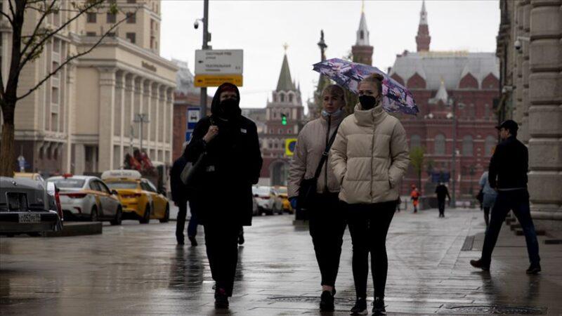Rusya'da koronavirüs vaka sayısı 300 bine yaklaştı