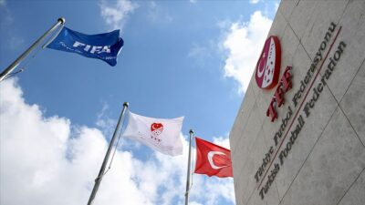 TFF Sağlık Kurulu Süper Lig takım doktorlarıyla online toplantı yaptı