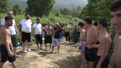 Bursa'da kısıtlama bahane gölet şahane