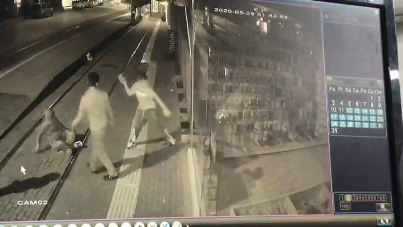 Bursa'da önce camı kırıp kaçtılar sonra geri dönüp böyle soydular
