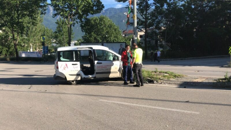 Bursa'da sokak kısıtlamasında ilginç kaza