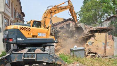 Yıldırım'da metruk yapılar yıkılıyor