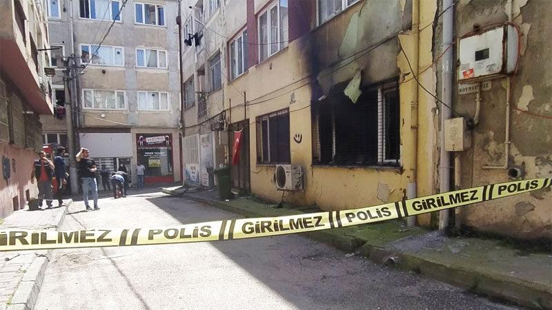 Bursa'da 6 katlı apartmanda yangın paniği