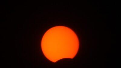 Bursa'da halkalı Güneş tutulması böyle görüntülendi