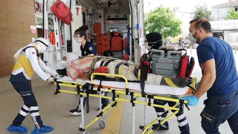Bursa'da kalıp çakarken düşen işçi ağır yaralandı