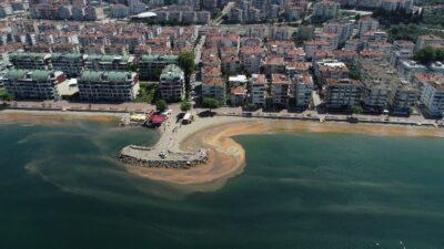 Marmara Denizi turuncuya boyandı…O anlar havadan görüntülendi