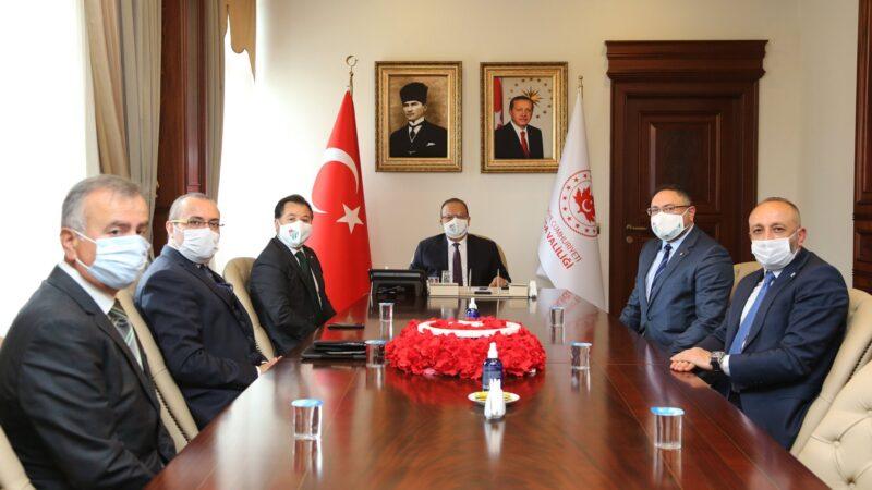 Bursaspor'dan destek turu… Kent yöneticilerinden söz aldılar…