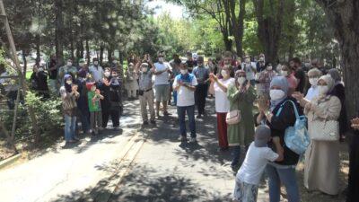 Bursa'da 18 ayda bitecek daireler 3 yıldır tamamlanamayınca hak sahipleri isyan etti