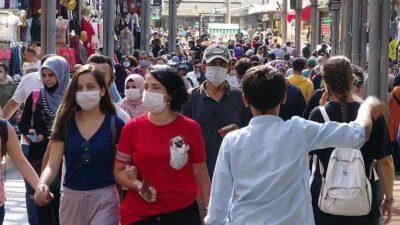 Bursa'da şok eden görüntü! Maskesiz ve mesafesiz bayram alışverişi