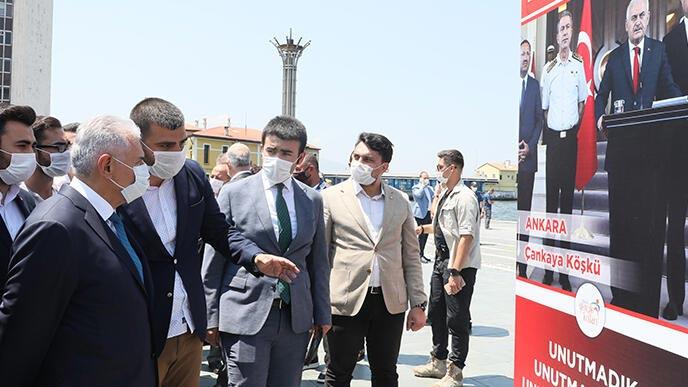 Binali Yıldırım, İzmir'de 15 Temmuz Demokrasi Şehitleri Anıtı'nın açılışına katıldı