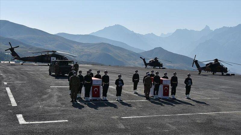 Şehit askerler Hakkari'de tören
