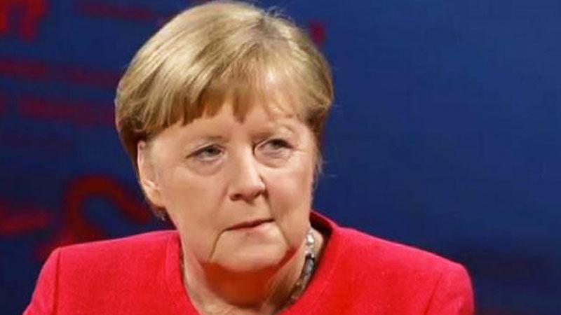 Merkel'e casus şoku