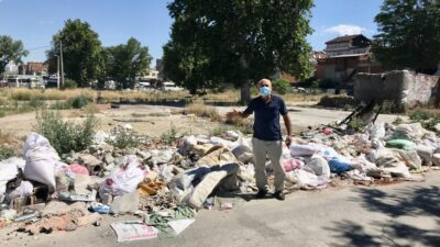 Vatandaş atıyor, belediyeler kaldırıyor… Bu ne sorumsuzluk?