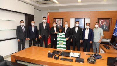 Frutti Extra Bursaspor'dan Başkan Aktaş'a ziyaret…