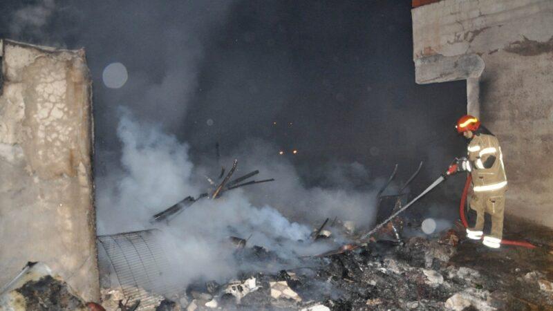 Bursa'da yangın… 2 ev ve bir iş yeri kullanılmaz halde…