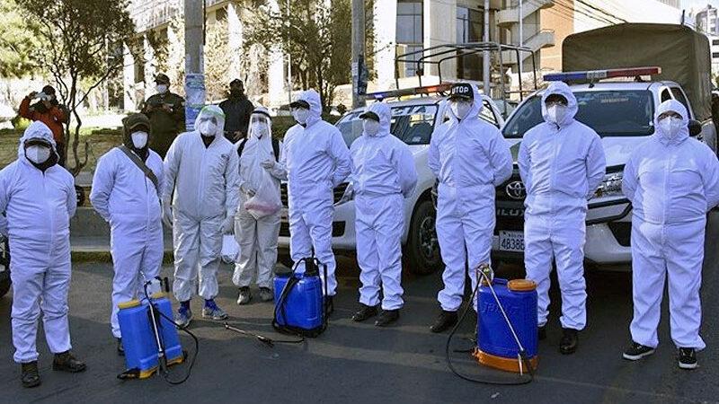 Caddeler, araçlar, evler… Son 5 günde yüzlerce ceset topladılar!