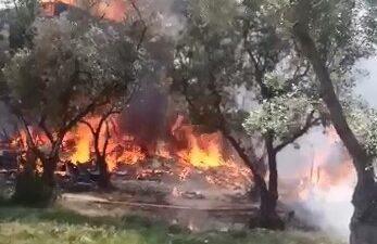 Bursa'da 4 ev alevlere teslim oldu… 2 itfaiye eri zehirlendi…
